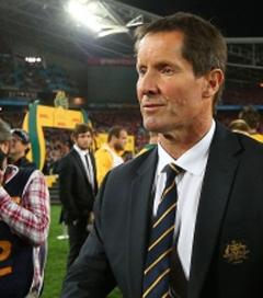 Robbie Deans Steps Down as Coach of Wallabies