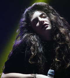 Lorde, First Woman to Top Billboard Alt Chart in 17 Years