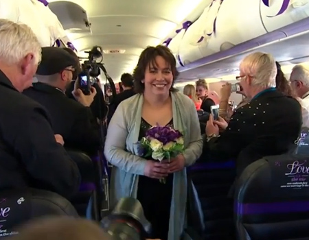 New Zealand Same-sex Couple Ties Knot Up In the Air