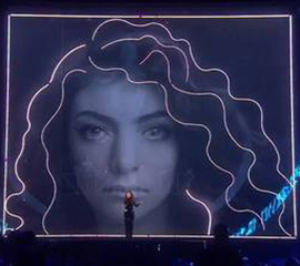 Lorde Scoops Best International Female Solo Artist at The Brit Awards 2014