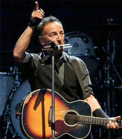Springsteen Covers Royals at Mt Smart Stadium