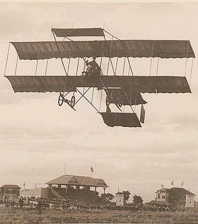 Young Pilot Made Australian Aviation History