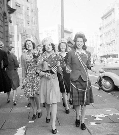 ce980358b8 How World War Changed Women s Fashion - Fashion