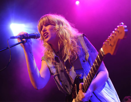 Ladyhawke – Magic (Radio 1's Big Weekend 2009)