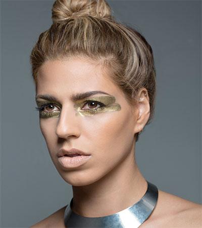 Singer Brooke Fraser Sheds Her Pop Folk Skin