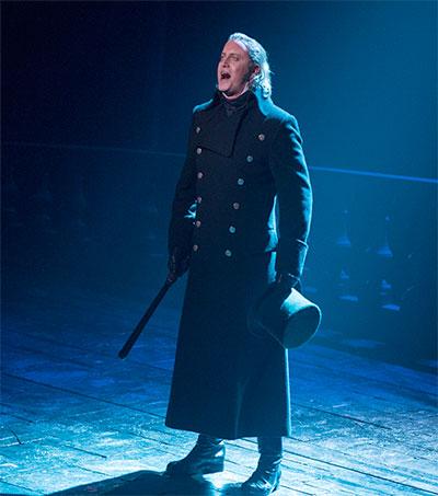 Les Mis Star Hayden Tee a Menacing Javert