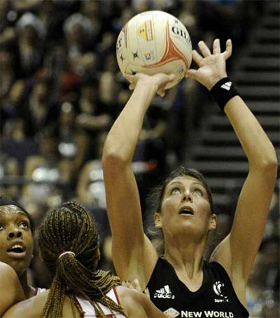 Silver Fern Stars Aim to Motivate in Singapore