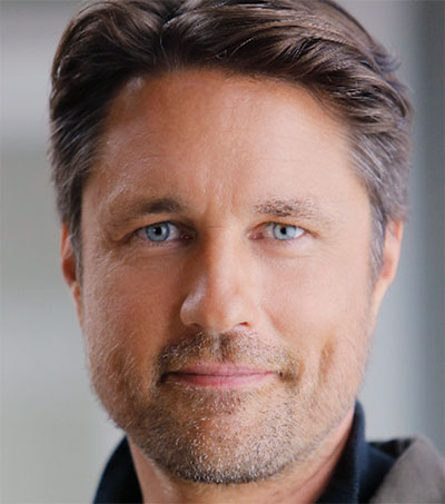 Martin Henderson Not Taking Fame Too Seriously