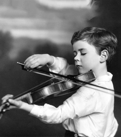 Violinist Alan Loveday