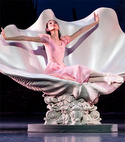 Alluring Role for Paris Ballet's Hannah O'Neill