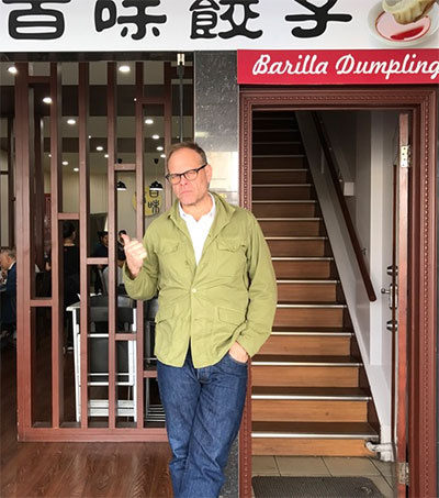 Here's Why Alton Brown is Ready to Move to NZ