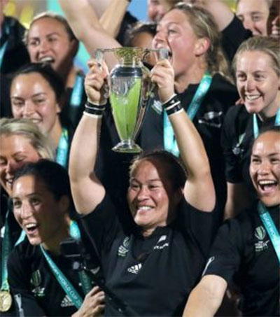 EDGE #279: Black Ferns Win World Cup, All-Female Shortlist for Silver Scrolls Award Shortlist, Air NZ's Safety Videos + Gwithyen Thomas Shares Aroha in US ++ more