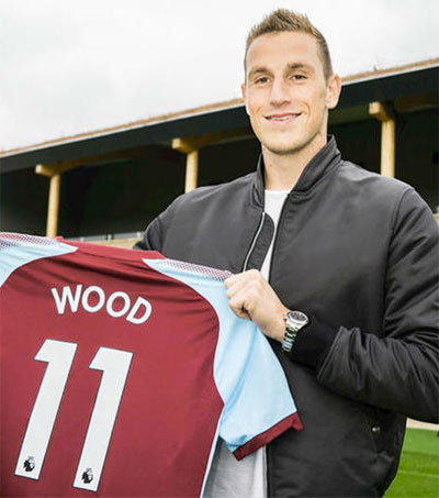 Premiere's Burnley Sign Chris Wood for Record Fee