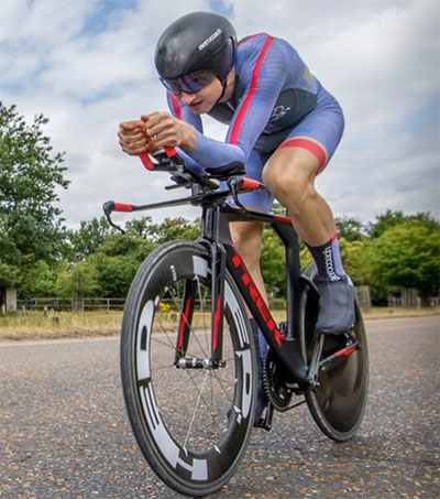 Hamish Bond Switches Strokes for Spokes