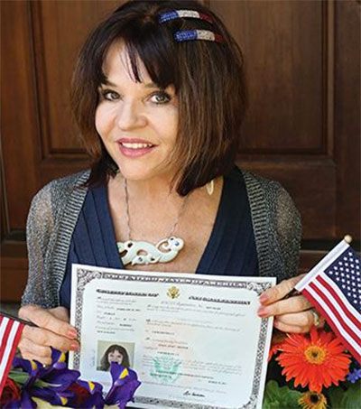 Photojournalist Susan Skinner New US Citizen