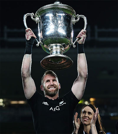 ABs Lift Bledisloe Cup for 16th Consecutive Year