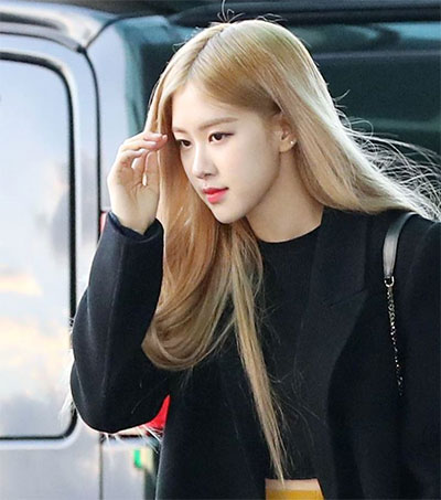 K-Pop Singer Rosé's Ballad a YouTube Phenomenon