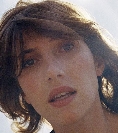 Aldous Harding Entices with Taunts and Teases