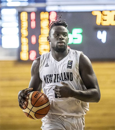 NBL's Hawks Sign Teen Rising Star Max Darling